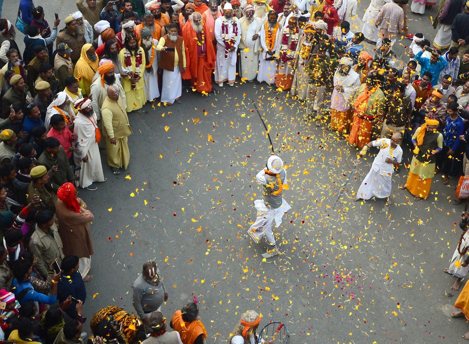 """Ινδία Covid-19: Παρά την πανδημία διοργανώνεται το φεστιβάλ """"Kumbh Mela"""""""