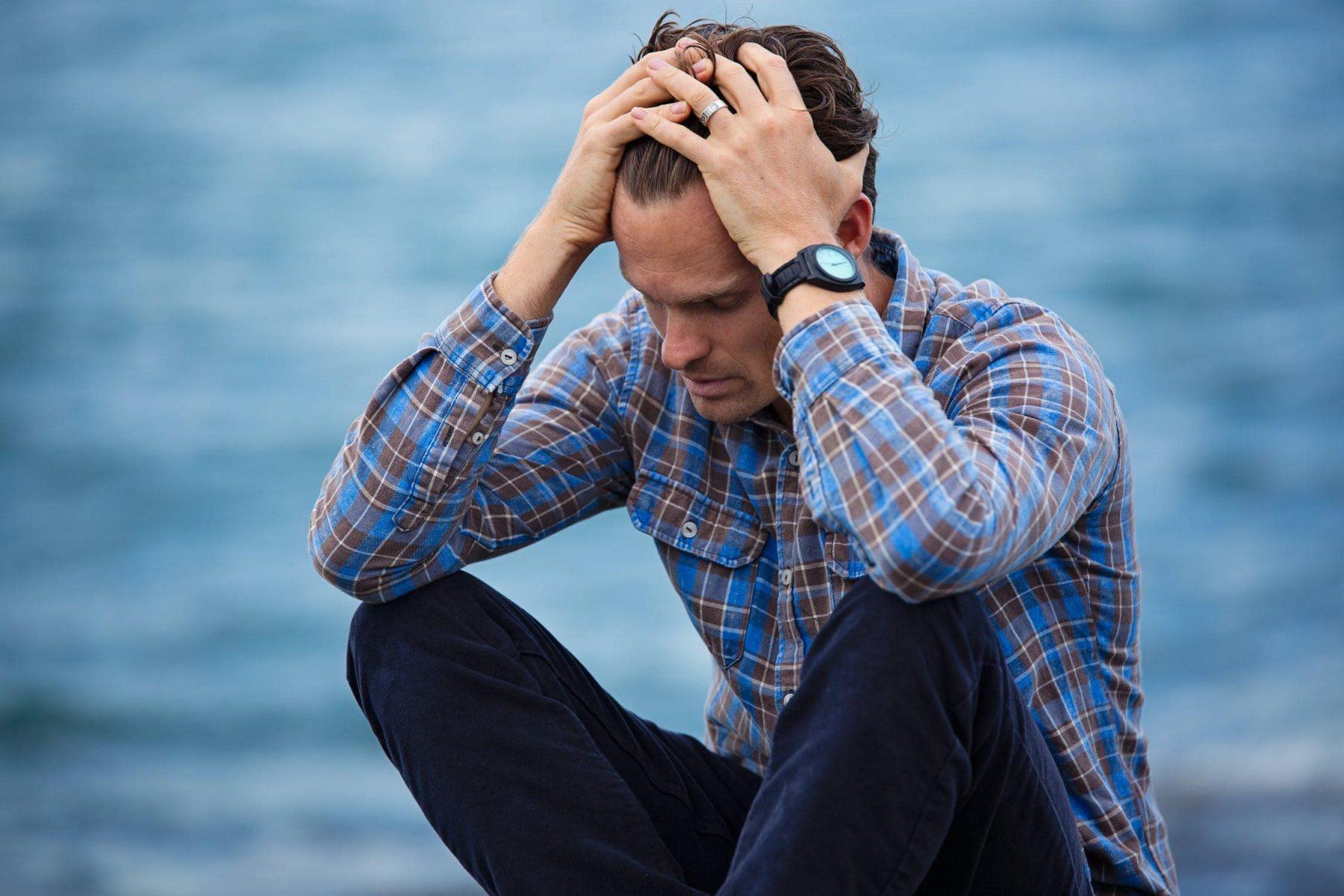 Αναγνώριση της κατάθλιψης στους άνδρες: 7 σημάδια για παρακολούθηση