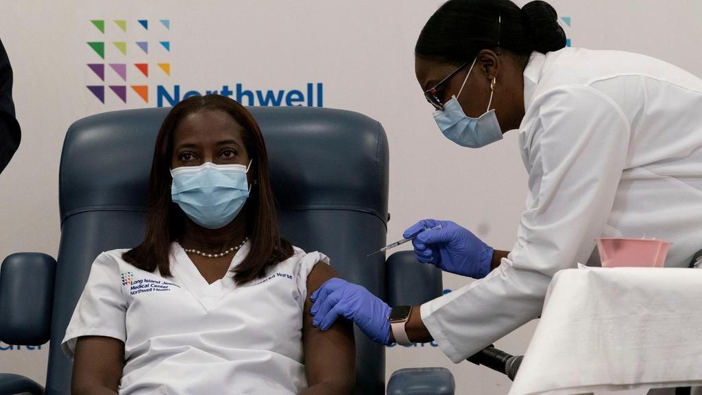 ΗΠΑ εμβόλιο: Σε ποιους θα χορηγείται μόνο η μισή δόση του εμβολίου της Moderna