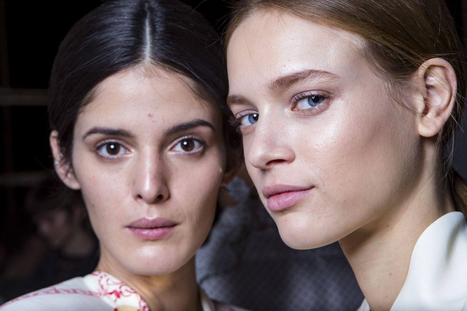 Μυστικά ομορφιάς: Το βασικότερο συστατικό για ένα υπέροχο δέρμα δεν κοστίζει τίποτα