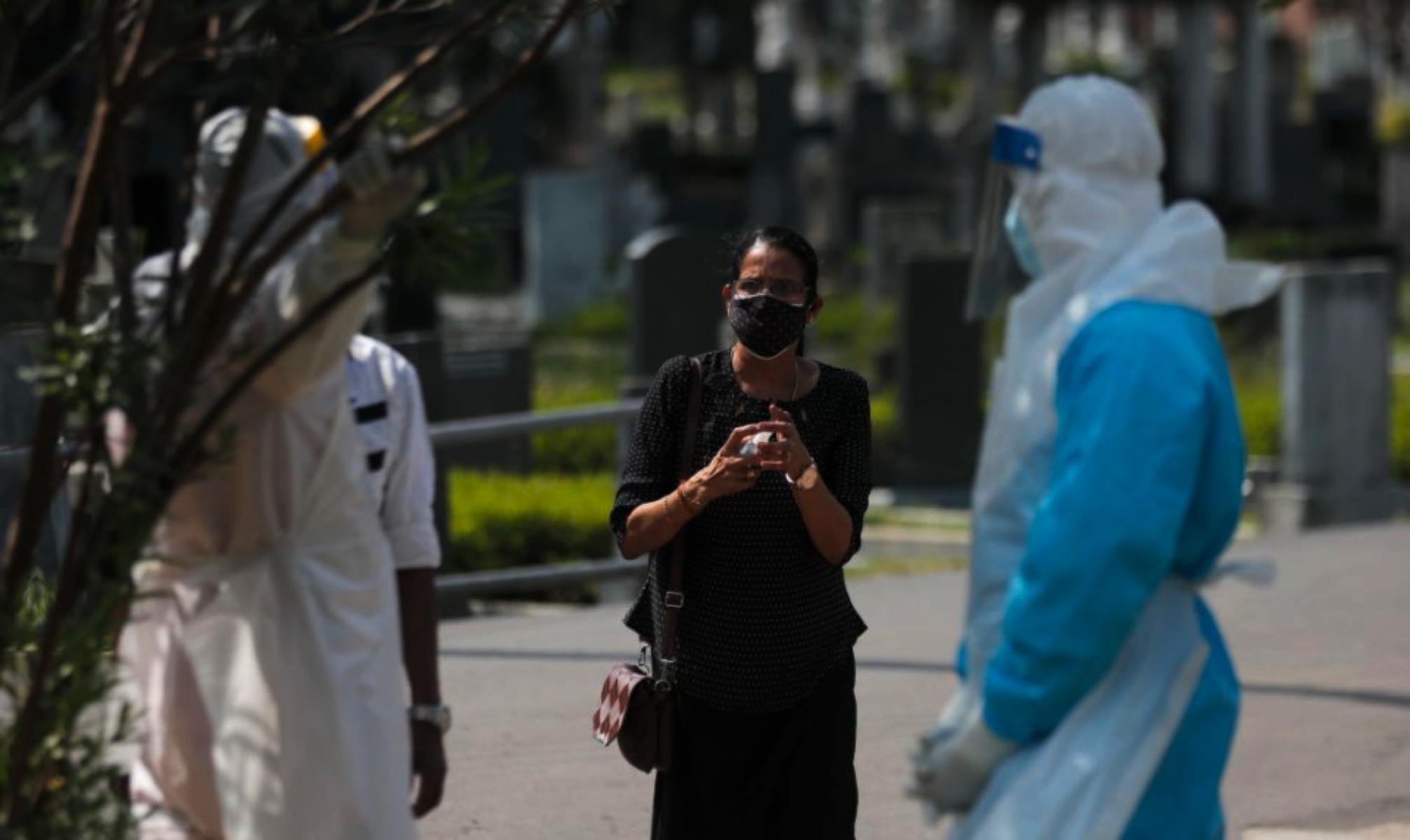 Σρι Λάνκα κορωνοϊός: Καταργεί την απαγόρευση ταφής των θυμάτων του