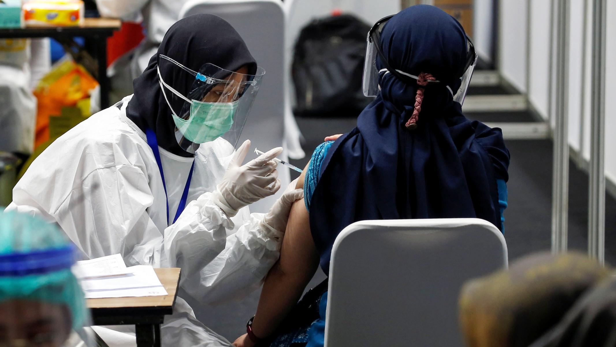 Ινδονησία κορωνοϊός: Εμβολιασμός 181 εκατομμυρίων ατόμων σε 15 μήνες