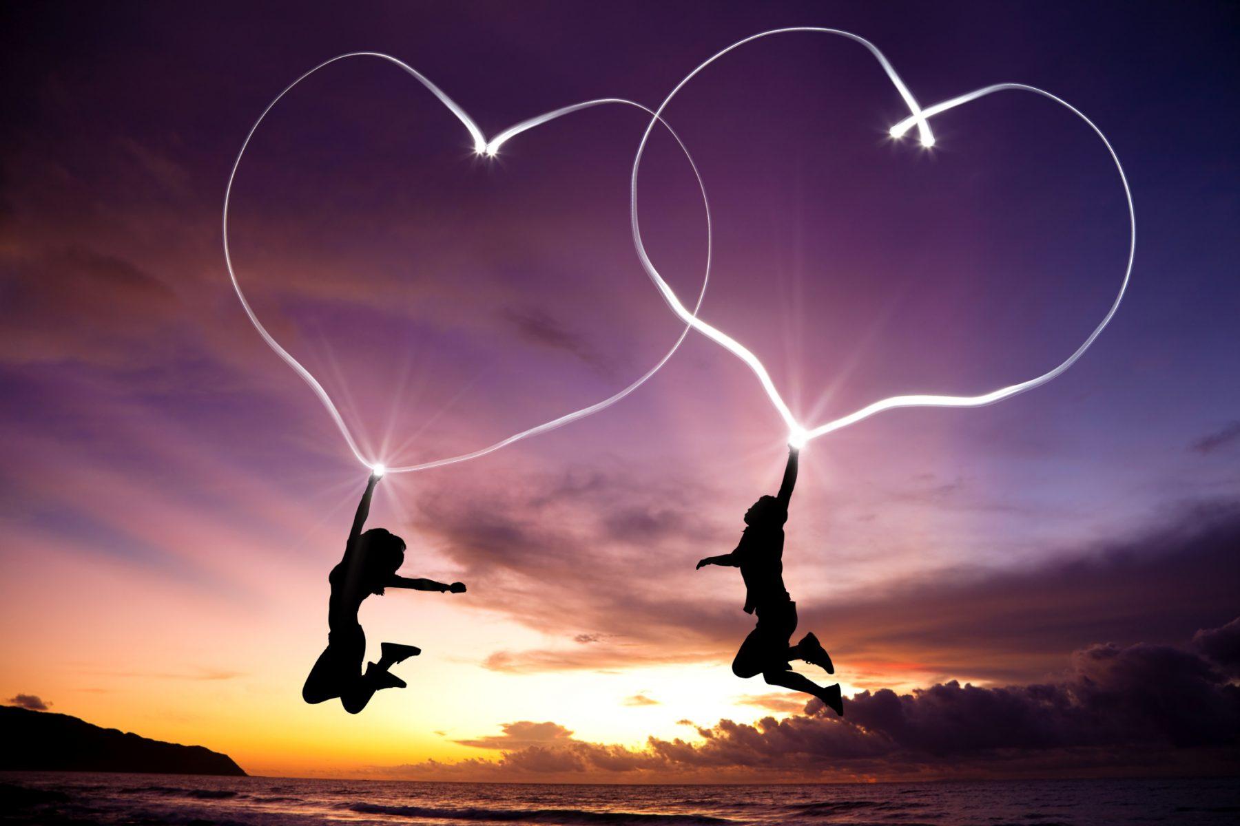 Η περιέργεια στον έρωτα: Όταν κάποιος θέλει να μάθει για εσένα…