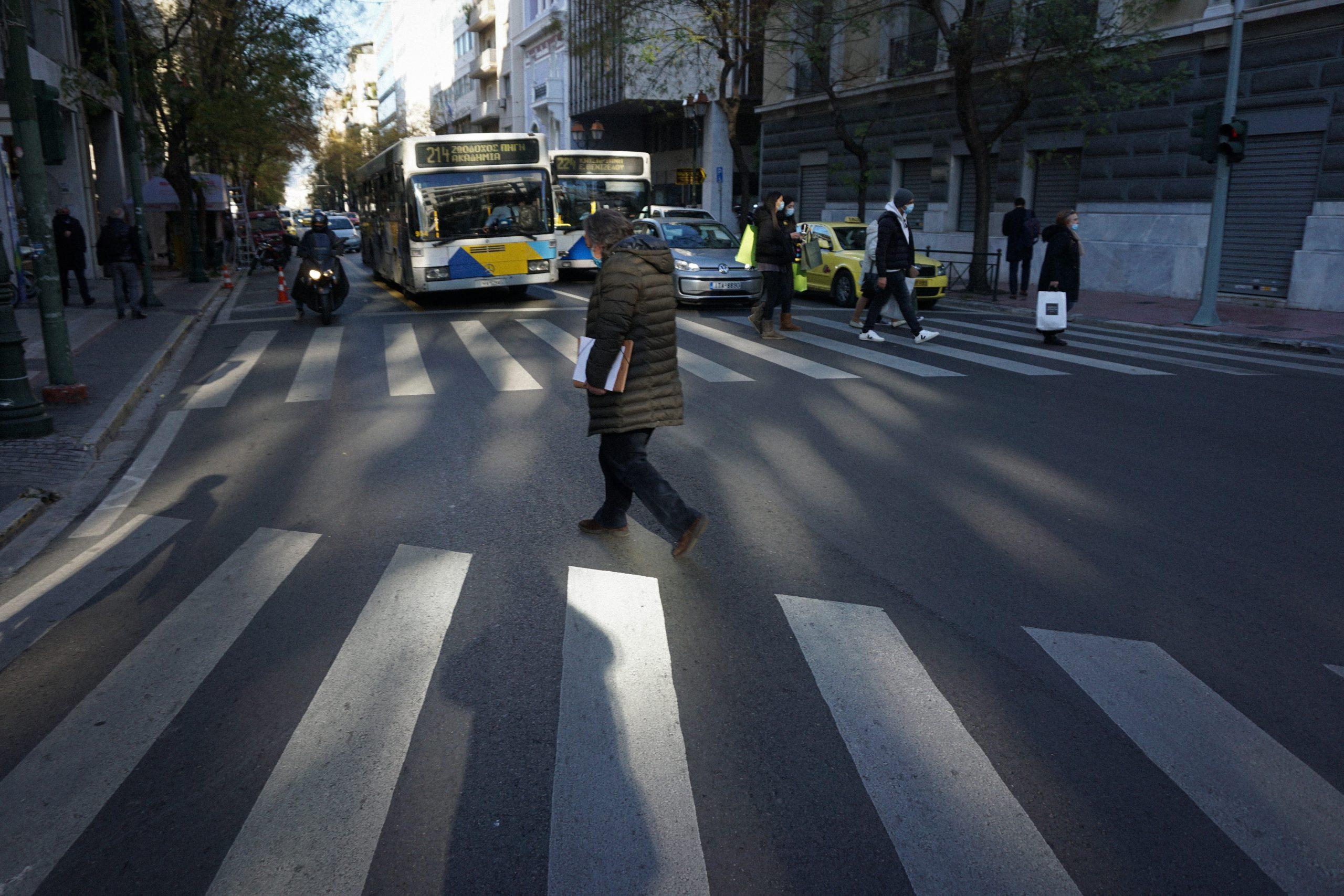 Κορωνοϊός μέτρα κρούσματα: Σκέψεις για ολικό lockdown σε Θεσσαλονίκη και Αχαΐα