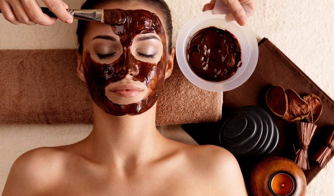 Ομορφιά μάσκα σοκολάτας: Πώς η σοκολάτα ωφελεί το δέρμα σας;
