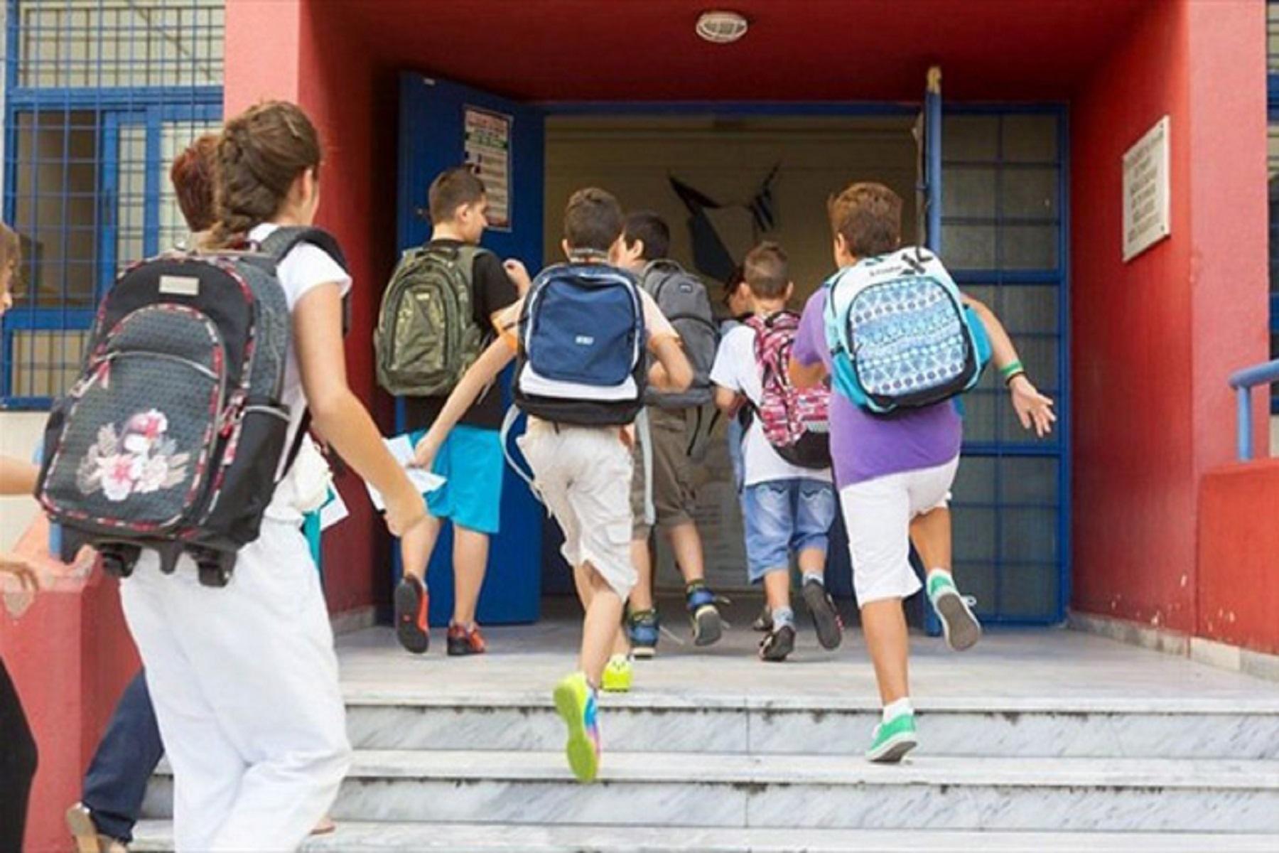 Υφ. Παιδείας Σχολεία: Εξετάζεται η παράταση του σχολικού έτους για κοινωνικούς και ψυχολογικούς λόγους