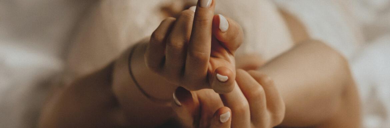 Σεξ Τάντρα: Πώς να είστε σωματικά και πνευματικά παρόντες στη σεξουαλική σας ζωή