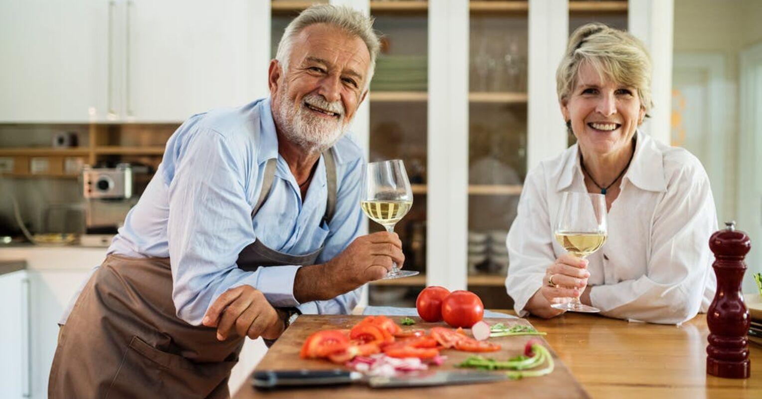 Αυτοφροντίδα στη μέση ηλικία: Πως να φροντίσετε τον εαυτό σας αν είστε άνω των 50