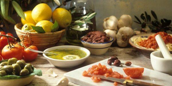 Μεσογειακή Διατροφή: Επηρεάζει τη θωράκιση έναντι της νόσου Covid-19;