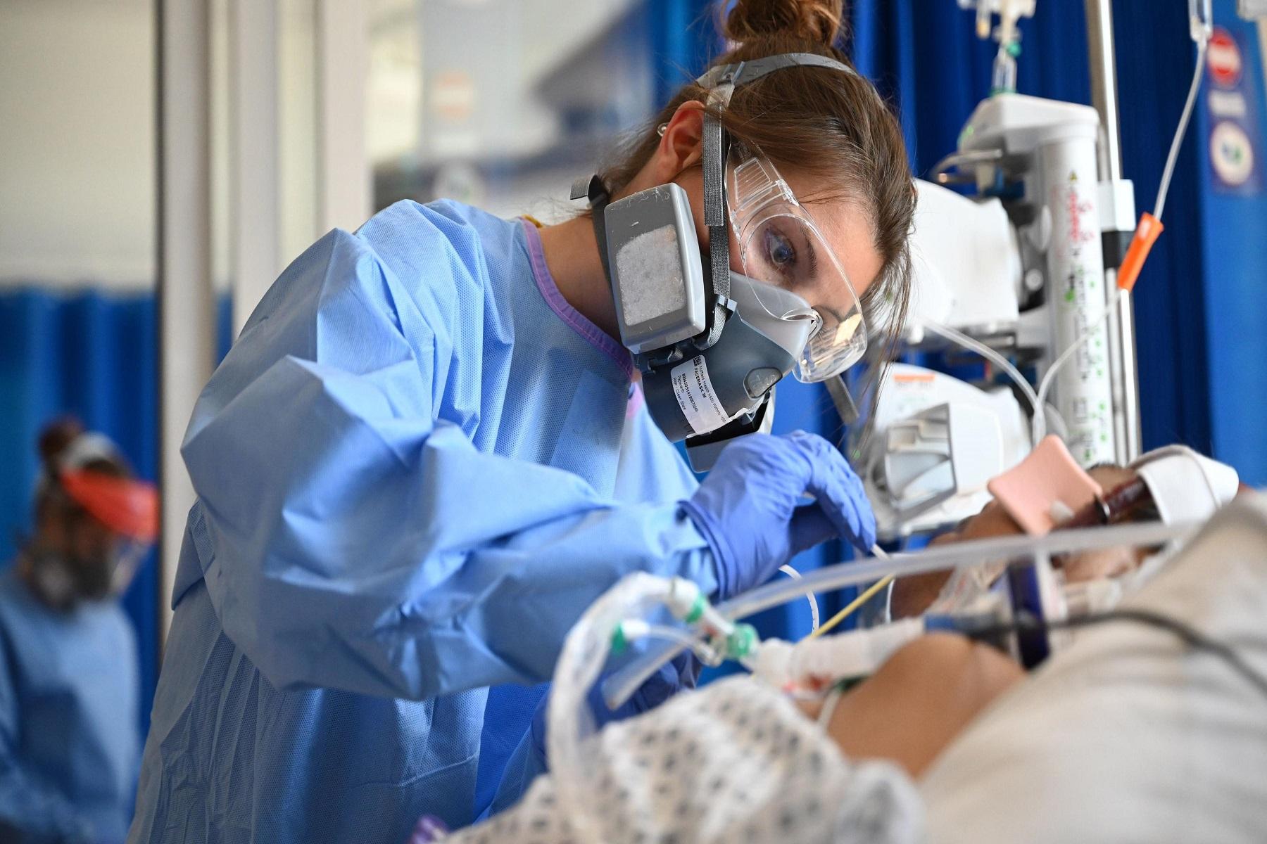 ΕΣΥ Βρετανία: Χορήγηση στατινών σε ασθενείς covid-19 ως μέρος δοκιμής