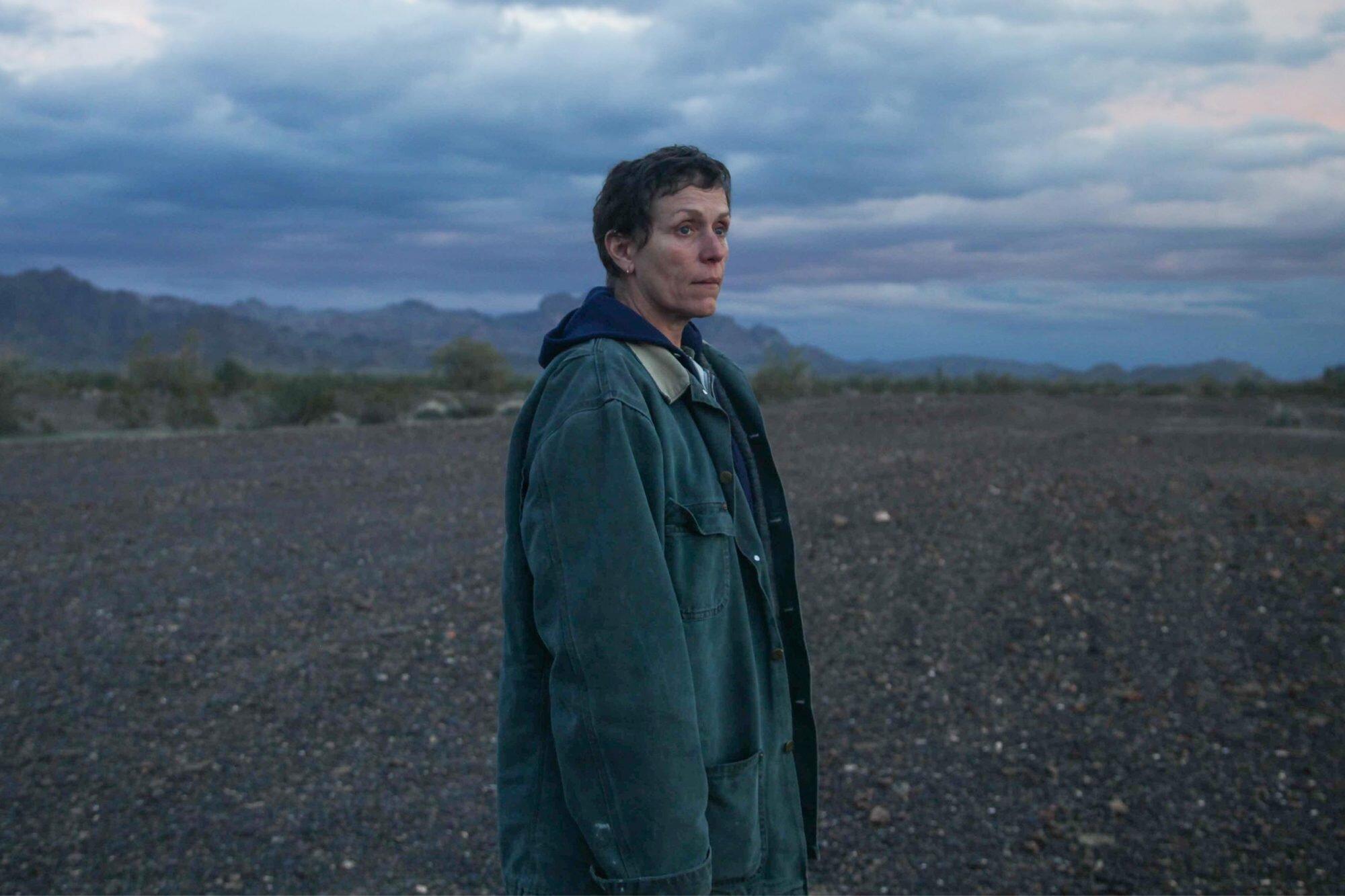 """Χρυσές Σφαίρες: Βραβείο καλύτερης σκηνοθεσίας για το """"Nomadland"""" και την Κλόε Ζάο"""