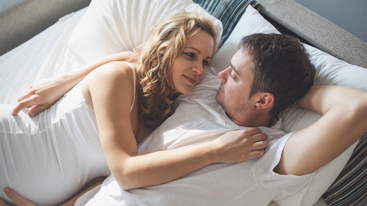 Σεξ και ύπνος: Πώς συνδέεται ο ύπνος με την ερωτική πράξη
