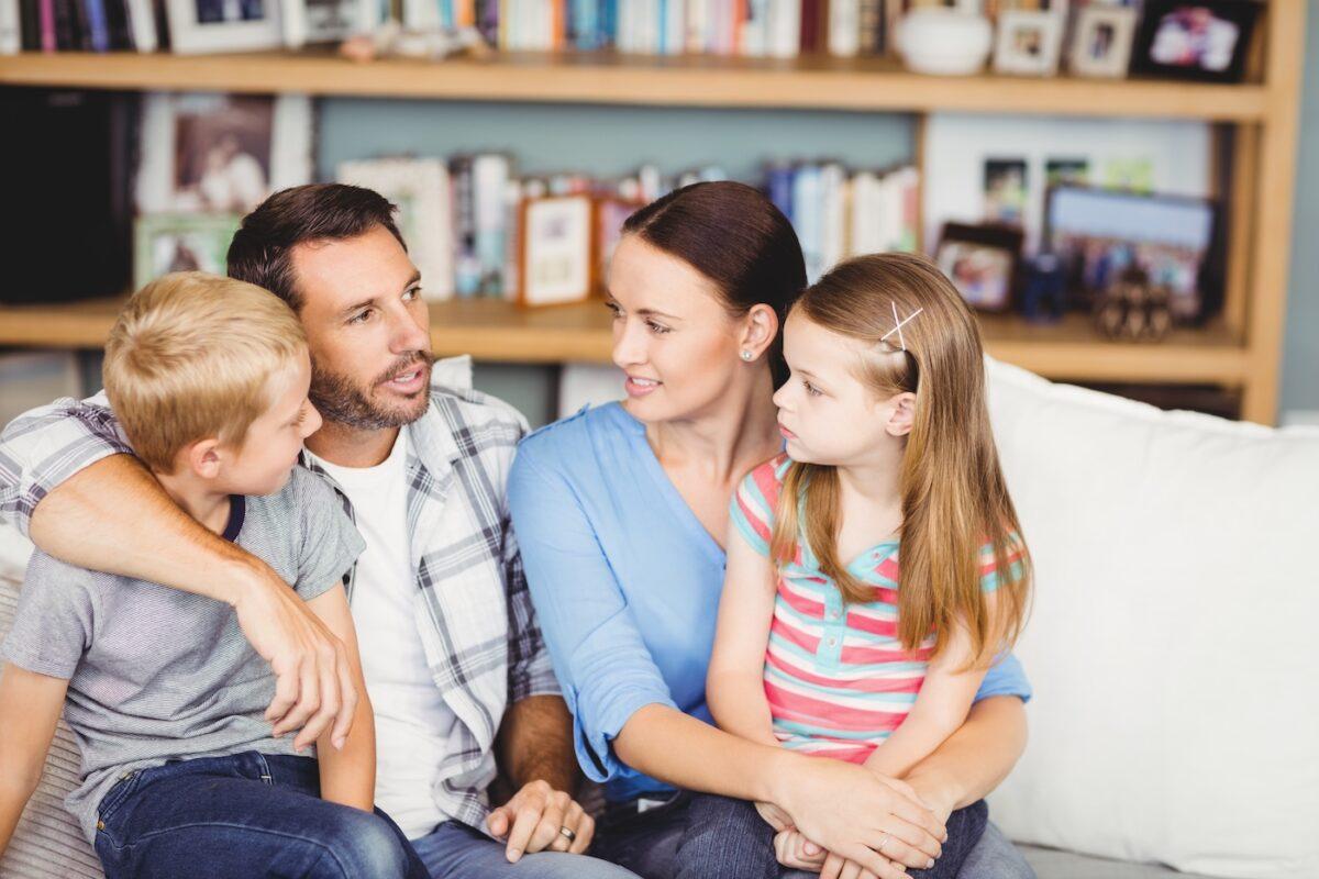 Γονείς Στερεότυπα: Αγκαλιάστε τα παιδιά σας ανεξάρτητα από σεξουαλικό προσανατολισμό