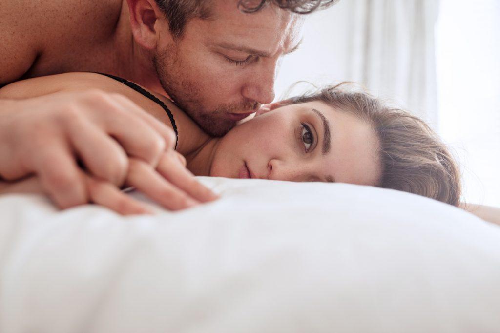 Ανοργασμία Γυναίκες: Γιατί δεν μπορώ να τελειώσω κατά τη διάρκεια του σεξ [vid]