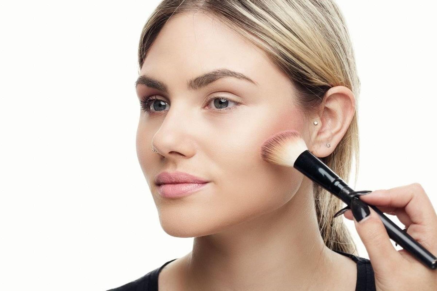 Μακιγιάζ Draping: Κάνε Contouring με χρώματα της επιλογής σου