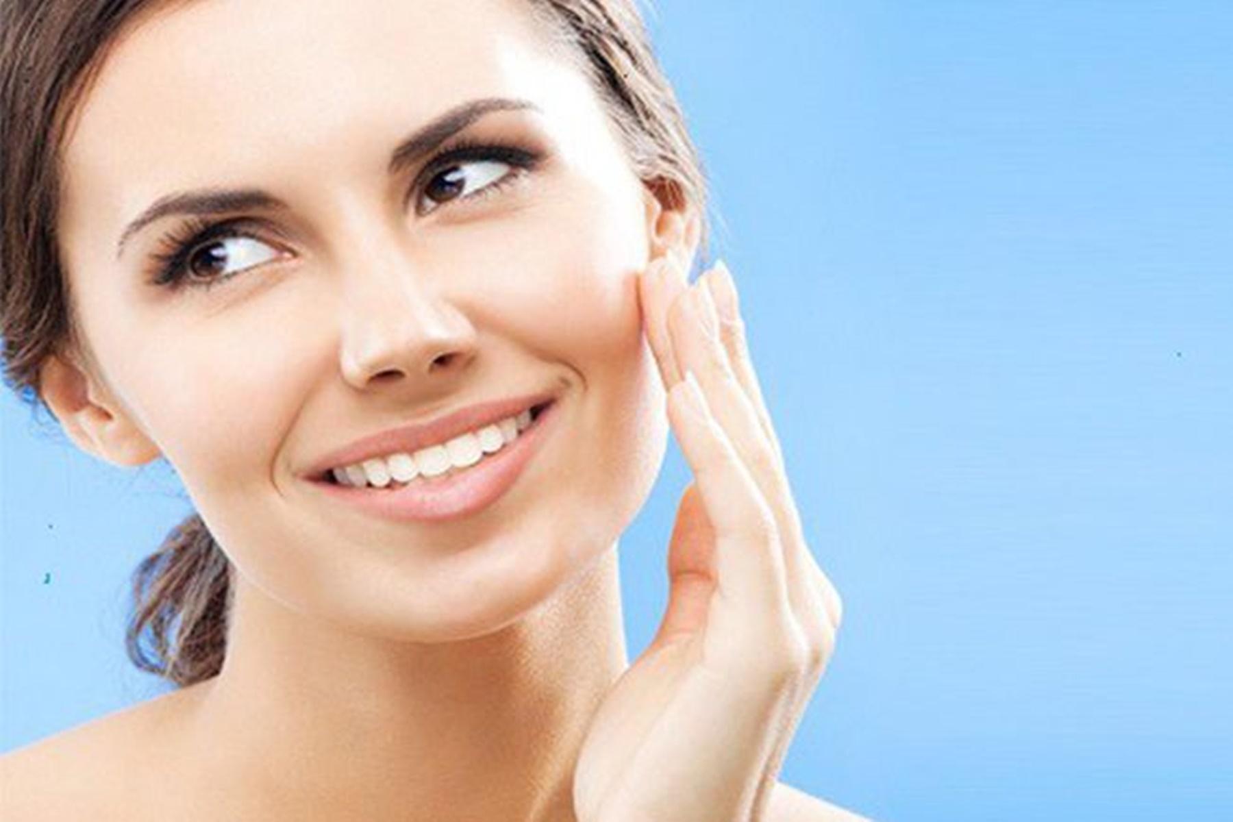 Ομορφιά : 4+1 tips για λαμπερό πρόσωπο
