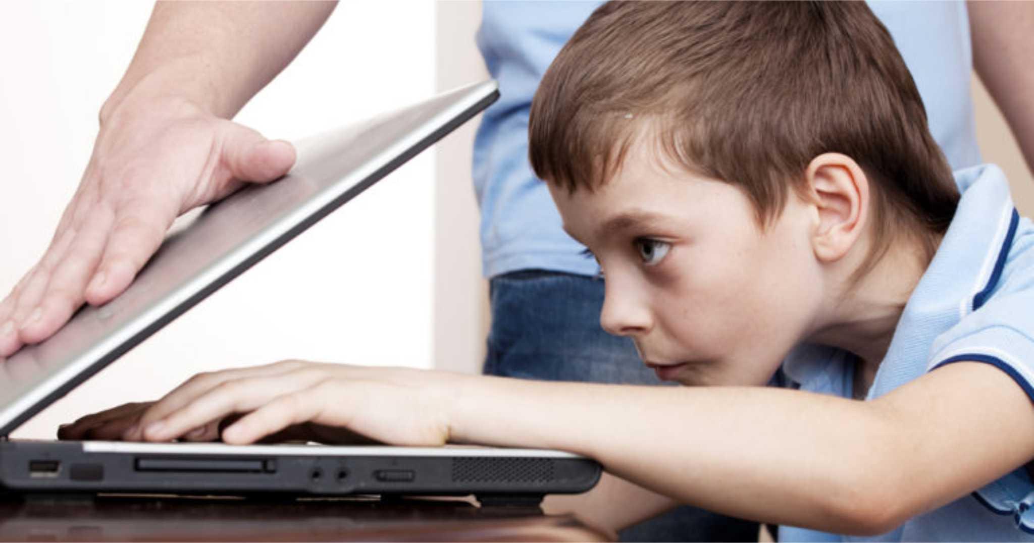 Διαδίκτυο εθισμός έφηβος: Πώς οι γονείς θα αντιμετωπίσουν τον εθισμό των παιδιών στο διαδίκτυο