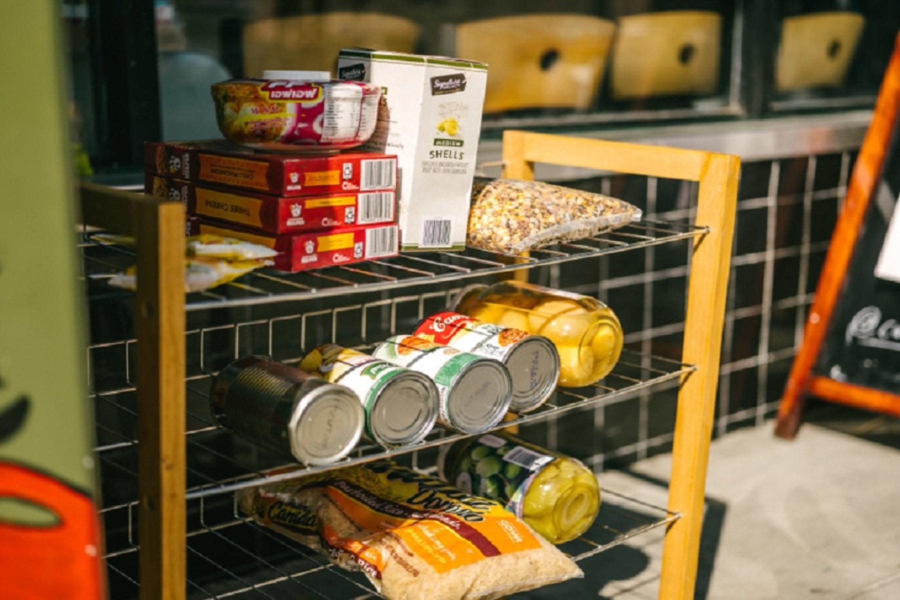 Νέα Υόρκη Επισιτισμός: Τα ντουλάπια τροφίμων στεγνώνουν καθώς η ανεργία ανεβαίνει