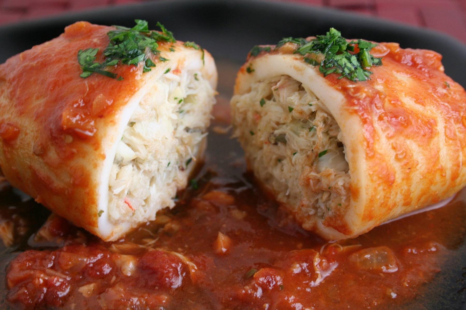 Πιάτο Νηστεία: Καλαμάρια γεμιστά με πλιγούρι & λαχανικά
