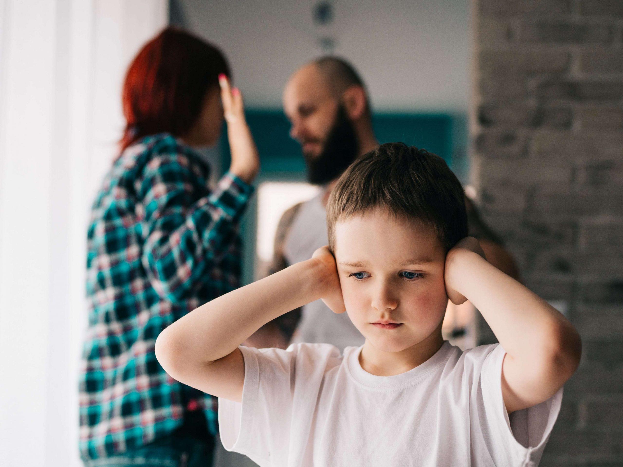 Τοξικοί Γονείς: Πώς επηρεάζουν τη ζωή σας πως να απελευθερωθείτε