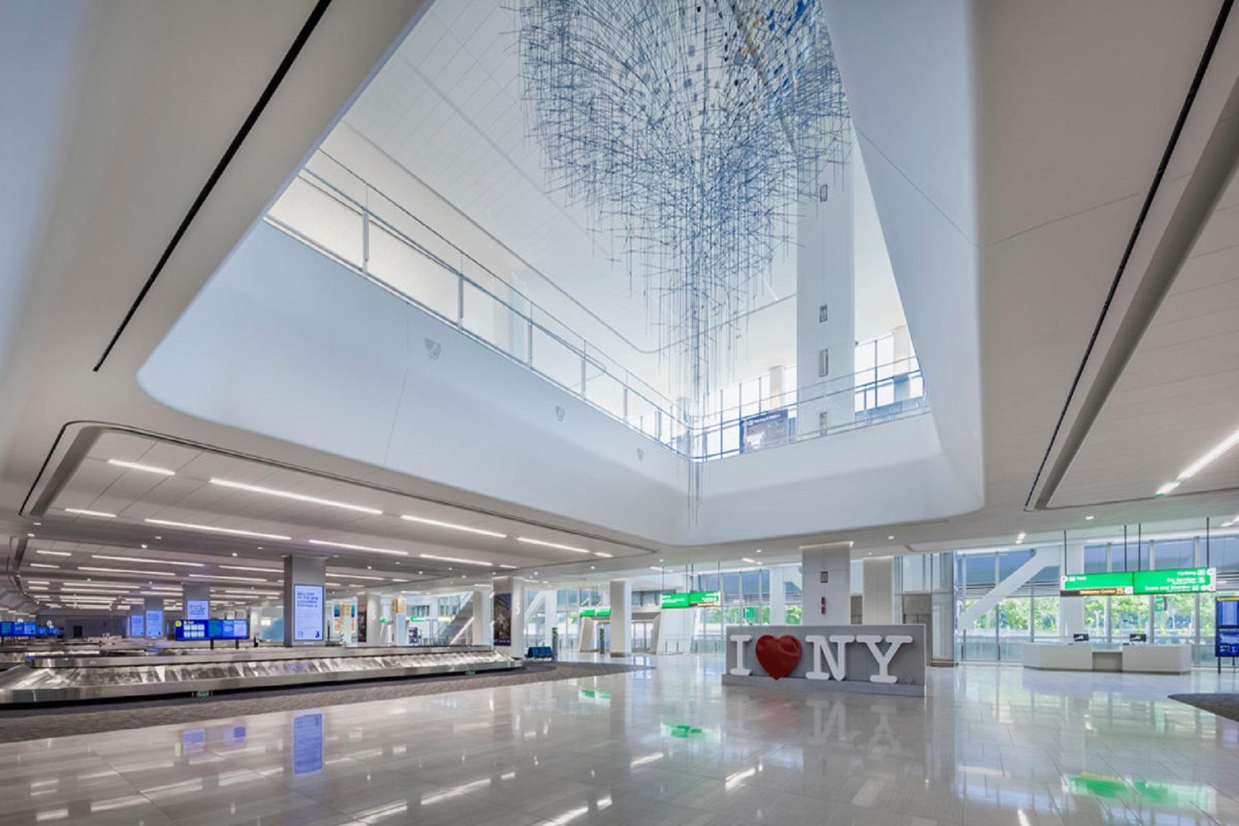 ΗΠΑ Νέα Υόρκη: Το αεροδρόμιο LaGuardia επαναπροσδιορίζεται με έργα τέχνης