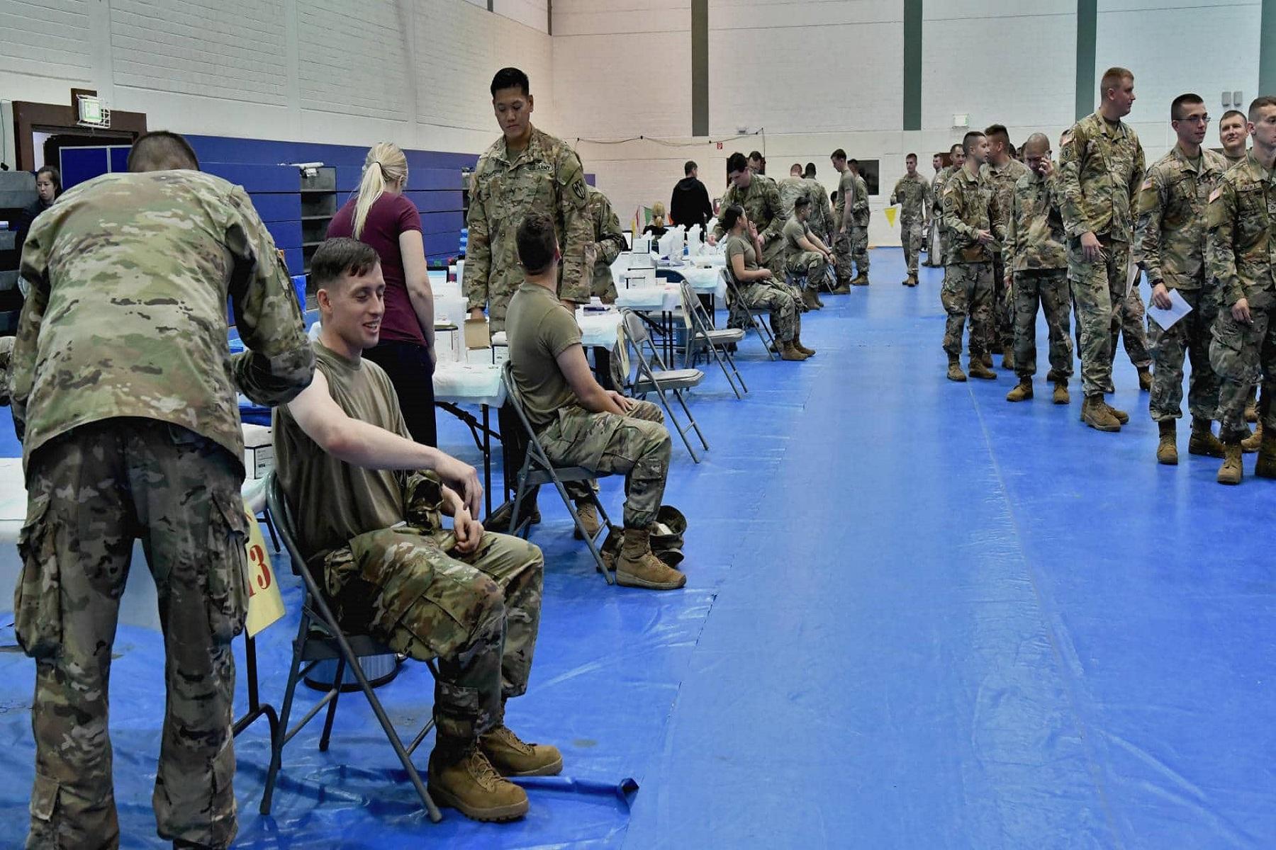 Υπουργός Άμυνας ΗΠΑ: Καταπολέμηση της διστακτικότητας των εμβολίων μεταξύ στρατευμάτων και βετεράνων.
