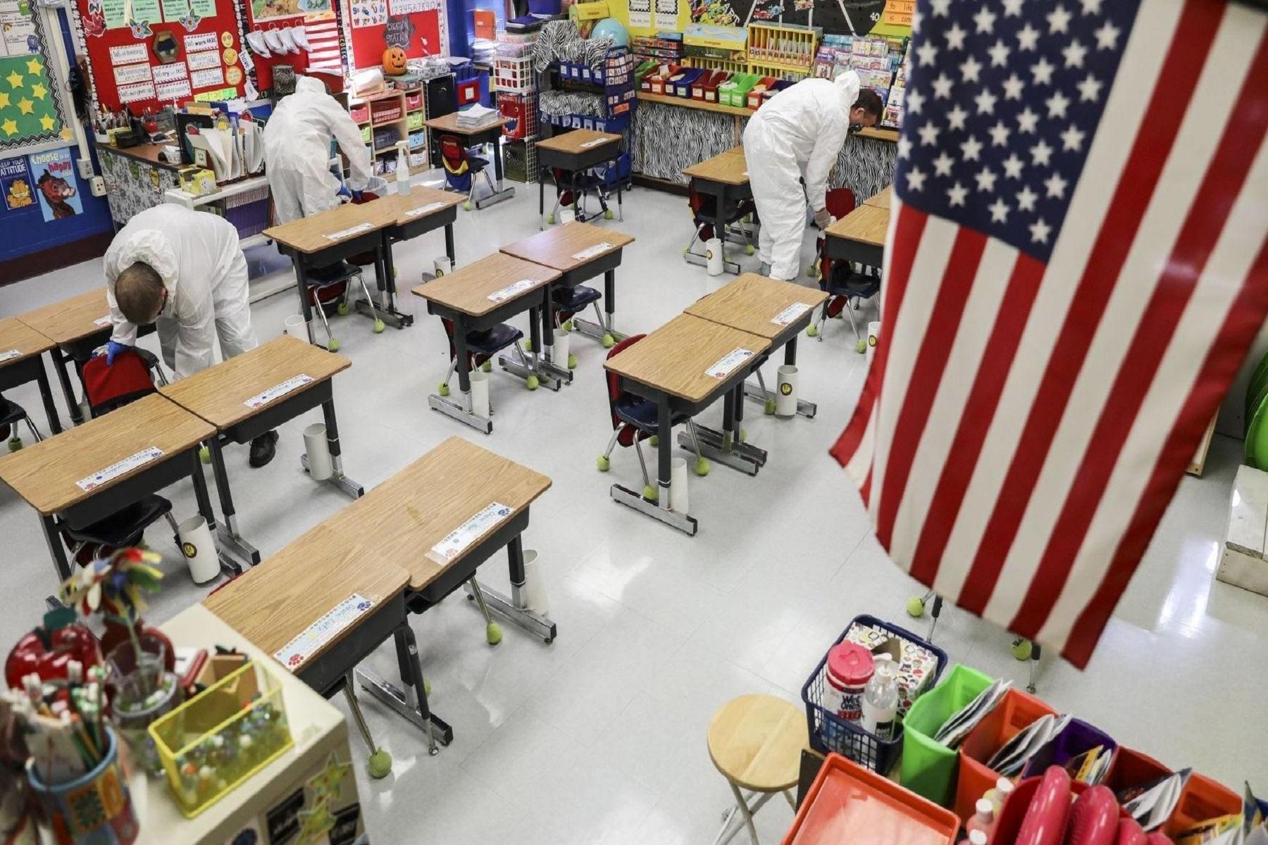 ΗΠΑ Εκπαίδευση: Ο Μπάιντεν λέει ότι τα σχολεία «θα έπρεπε πιθανώς όλα να είναι ανοιχτά» το φθινόπωρο