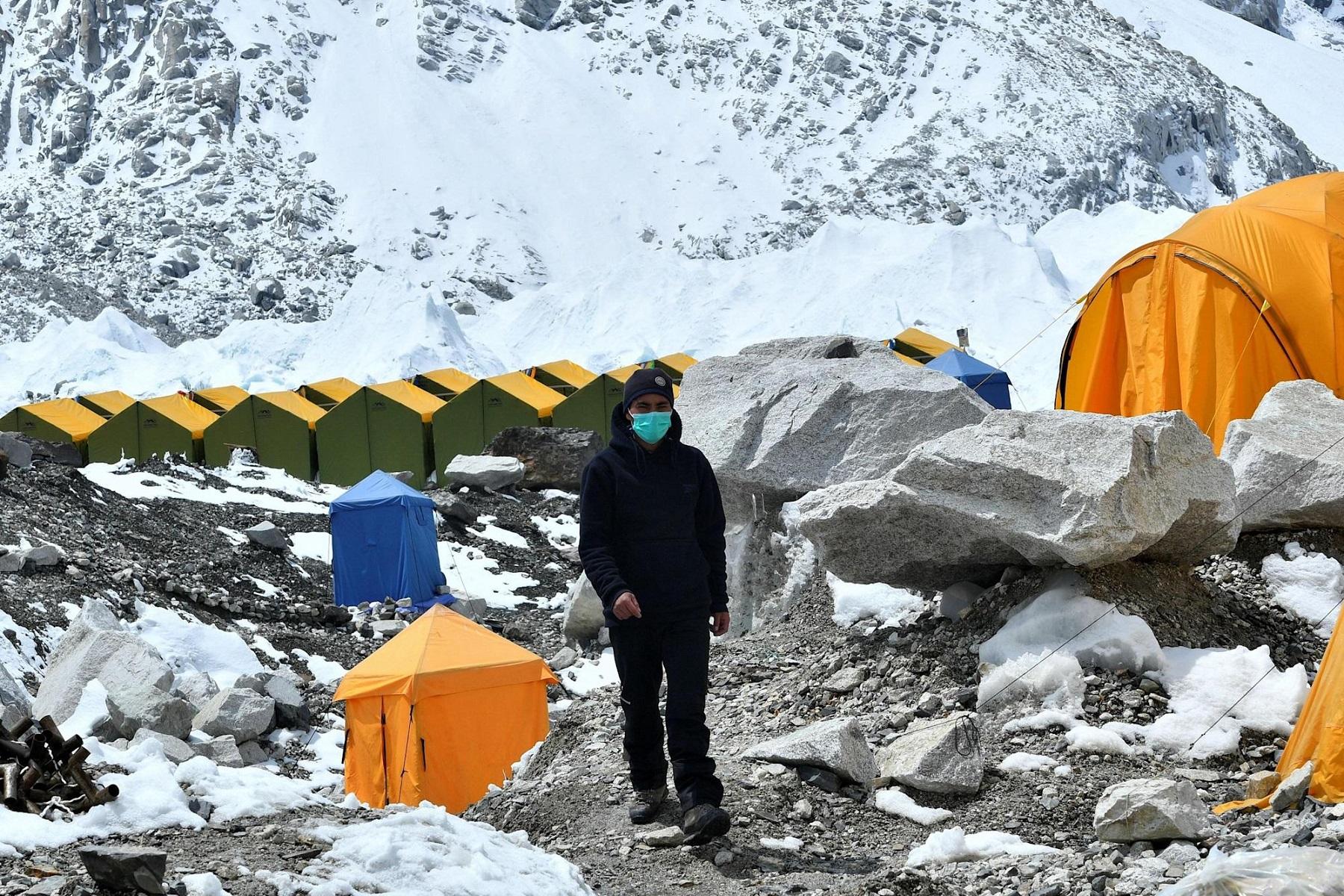 Νεπάλ Τουρισμός: Η Covid απειλεί τα σχέδια αναρρίχησης στο Έβερεστ