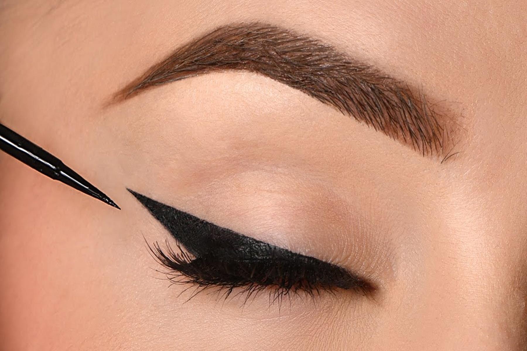Μακιγιάζ ματιών : Συμβουλές για να βάζεις σωστά το Eye-liner