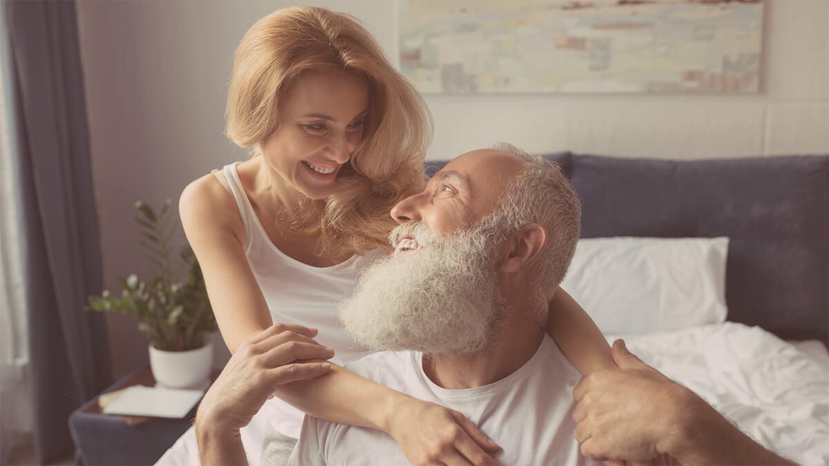 Δυσπαρευνία Αίτια: Γιατί το σεξ μετά την εμμηνόπαυση μπορεί να είναι επώδυνο