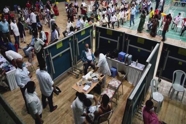 Ερυθρός Σταυρός: Προειδοποιεί ότι τα κρούσματα του κορωνοϊού εκρήγνυνται στην Ασία