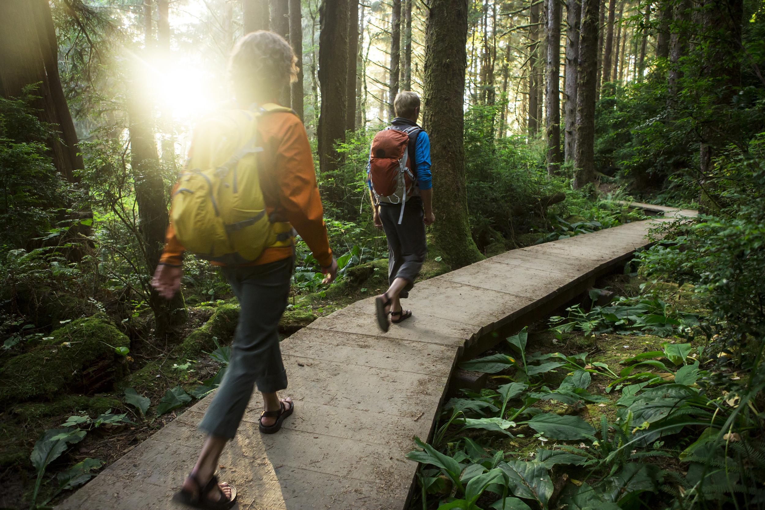 Αθλητισμός Οφέλη Περπάτημα: Αλλάξτε τον τρόπο που περπάτατε για να διατηρήσετε το κίνητρό σας να αθλείστε [vid]