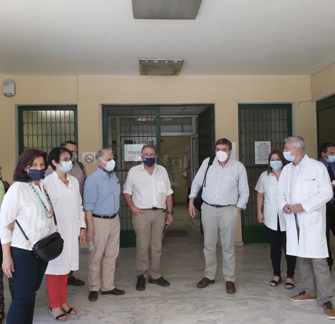 Σύριζα στο ΚΥ Καλλιθέας: Στο ΚΥ Καλλιθέας βουλευτές του ΣΥΡΙΖΑ για το κλείσιμο του Οδοντοπροσθετικού – Αρνήθηκε συνάντηση η διευθύντρια