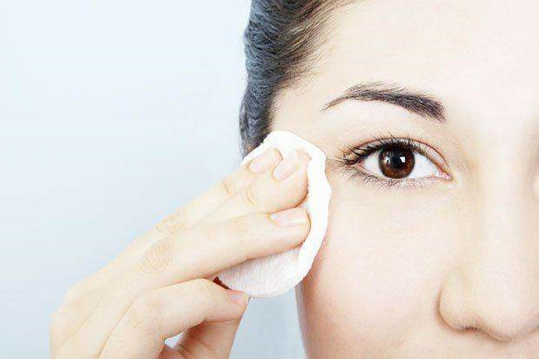 Ομορφιά : Συμβουλές για να αφαιρέσετε το μακιγιάζ σας