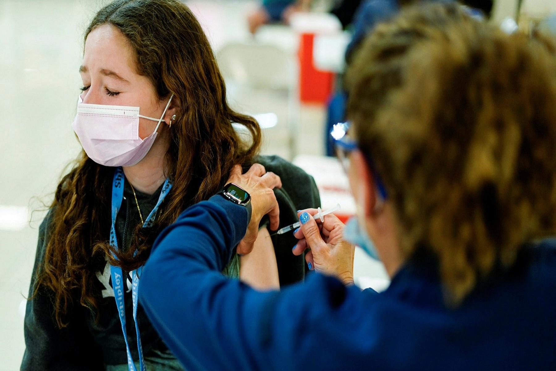 ΗΠΑ CDC: Οι νεότεροι ενήλικες ισχυρίζονται τη χαμηλότερη πρόσληψη εμβολιασμού COVID-19