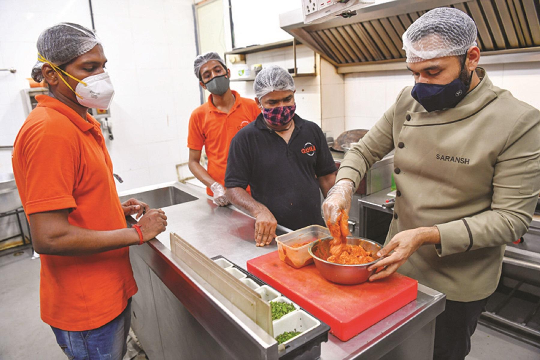 Ινδία Σεφ Goila: Ξεκίνησε μη κερδοσκοπική πλατφόρμα που ονομάζεται Covid Meals για την Ινδία