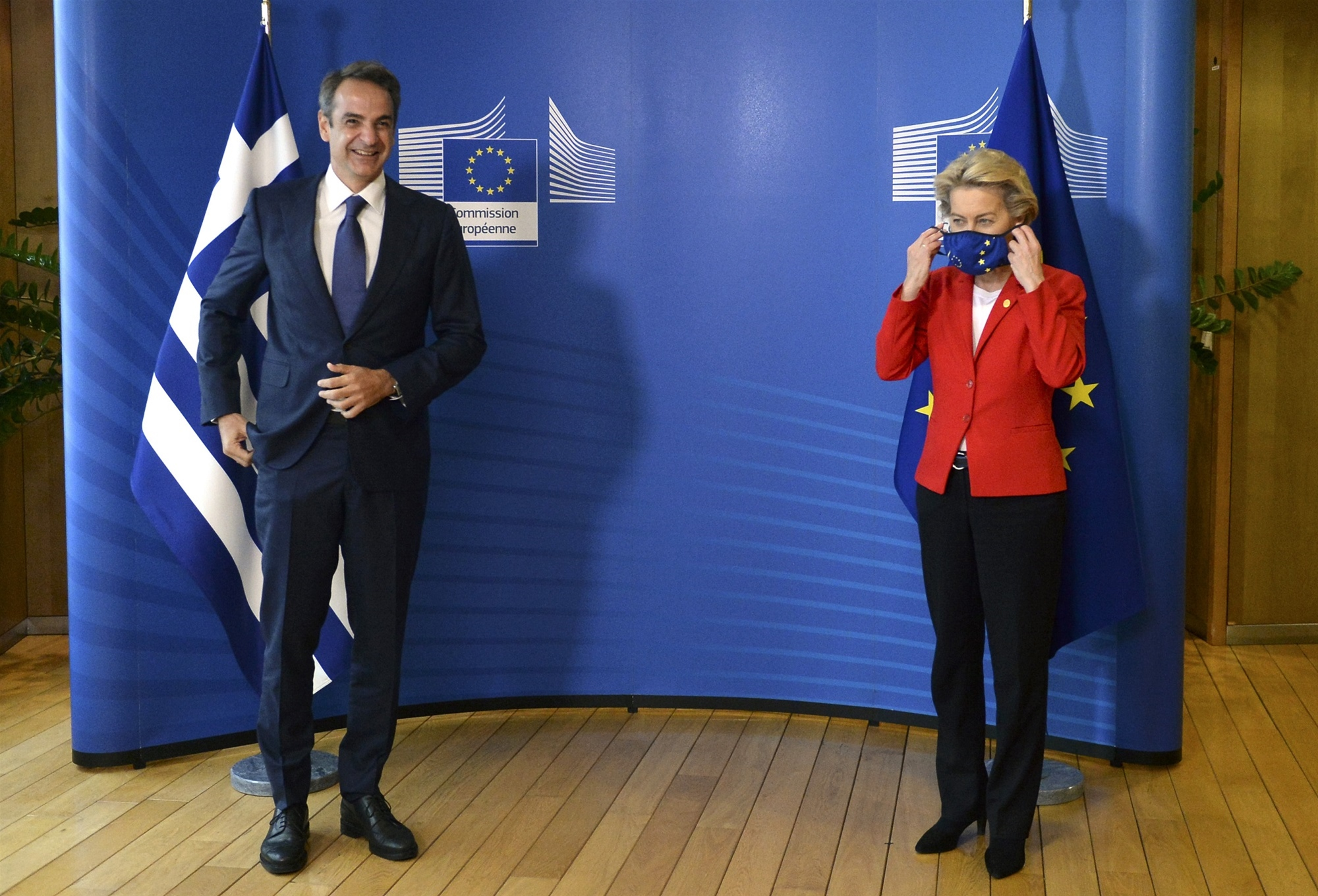 «Ελλάδα 2.0»: Η Ούρσουλα Φον Ντερ Λάιεν δίνει το «πράσινο φως» για τα 32 δισ. ευρώ