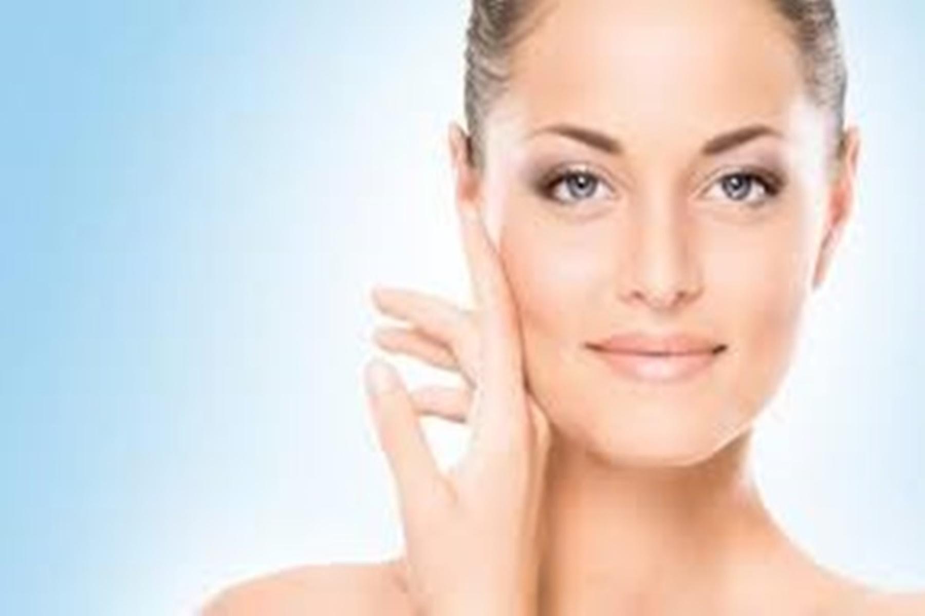Λαμπερό δέρμα : Δείτε πως θα το πετύχετε με προϊόντα που έχετε στο σπίτι σας