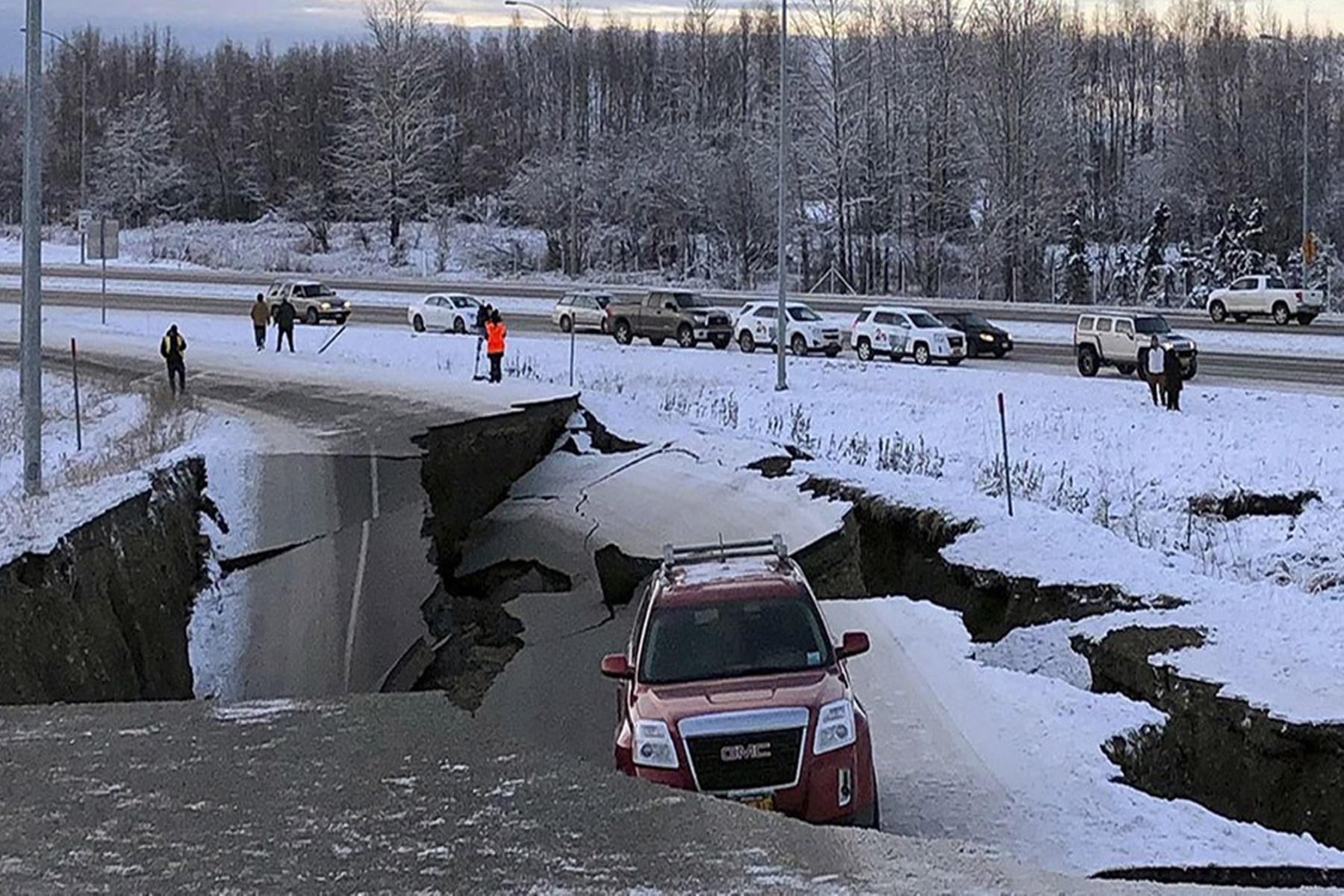 Σεισμός Αλάσκα : Δείτε τα 8,2 ρίχτερ να χτυπάνε