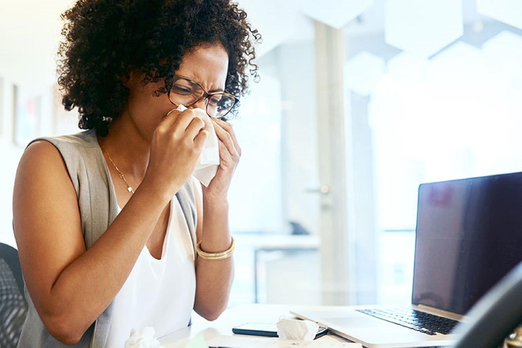 Νέα Έρευνα: Μειώνει το κοινό κρυολόγημα τα συμπτώματα COVID-19;