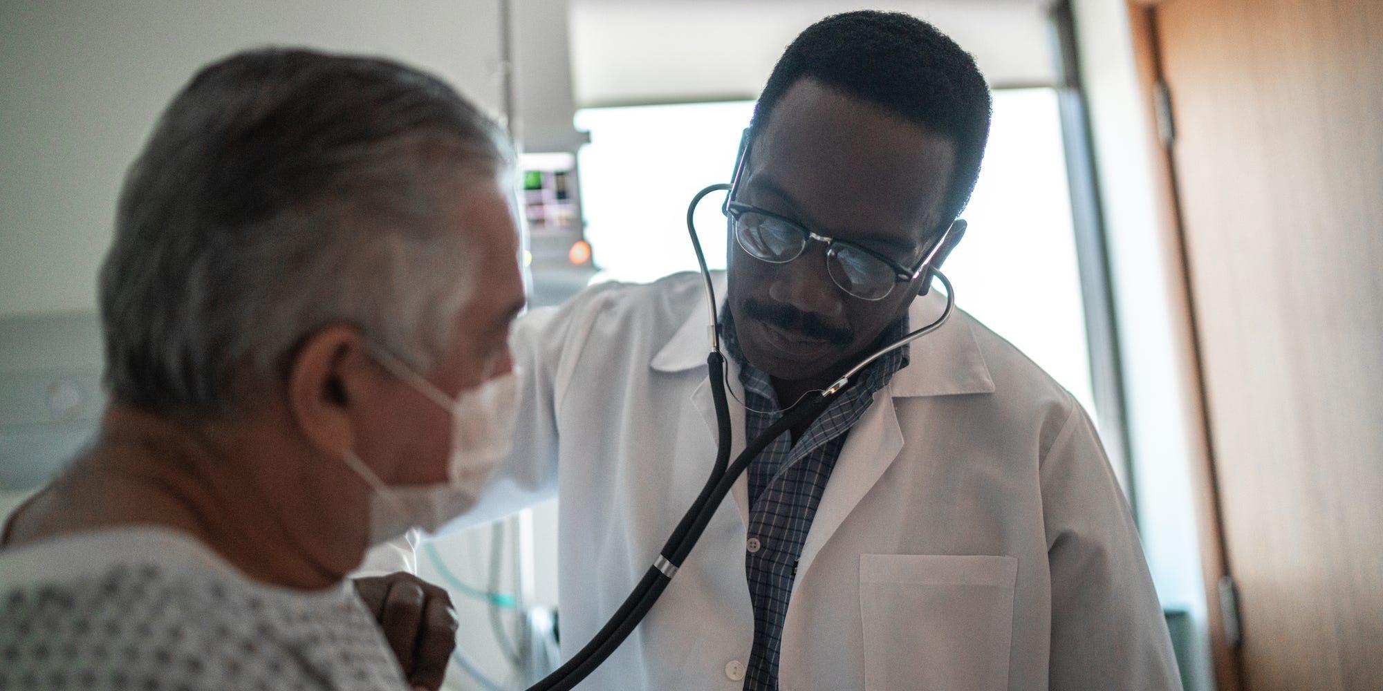 Υγειονομική περίθαλψη αγορά γιατρός ΗΠΑ: Αυξάνεται το ποσοστό των γιατρών στις ΗΠΑ που ασχολούνται με ιδιωτικές εταιρίες