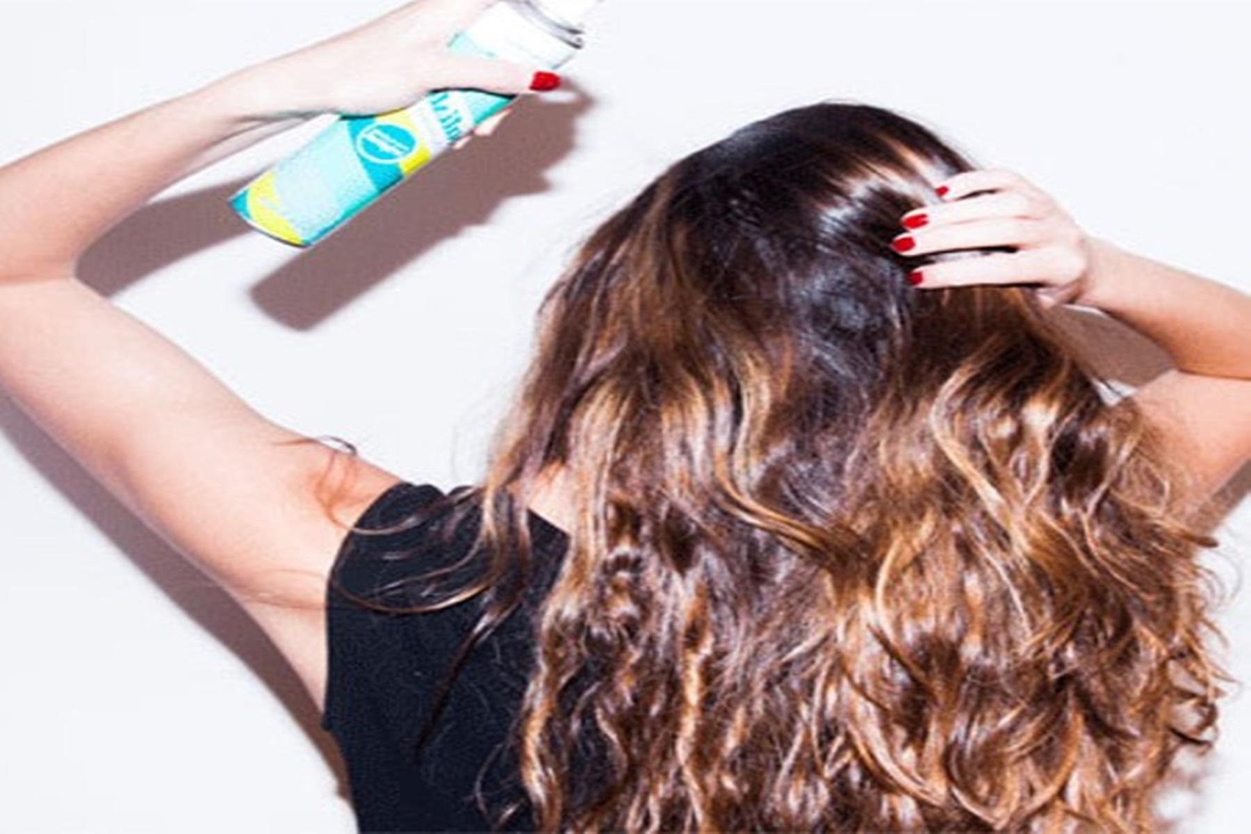 Ξηρό σαμπουάν : Είναι ωφέλιμο για τα μαλλιά