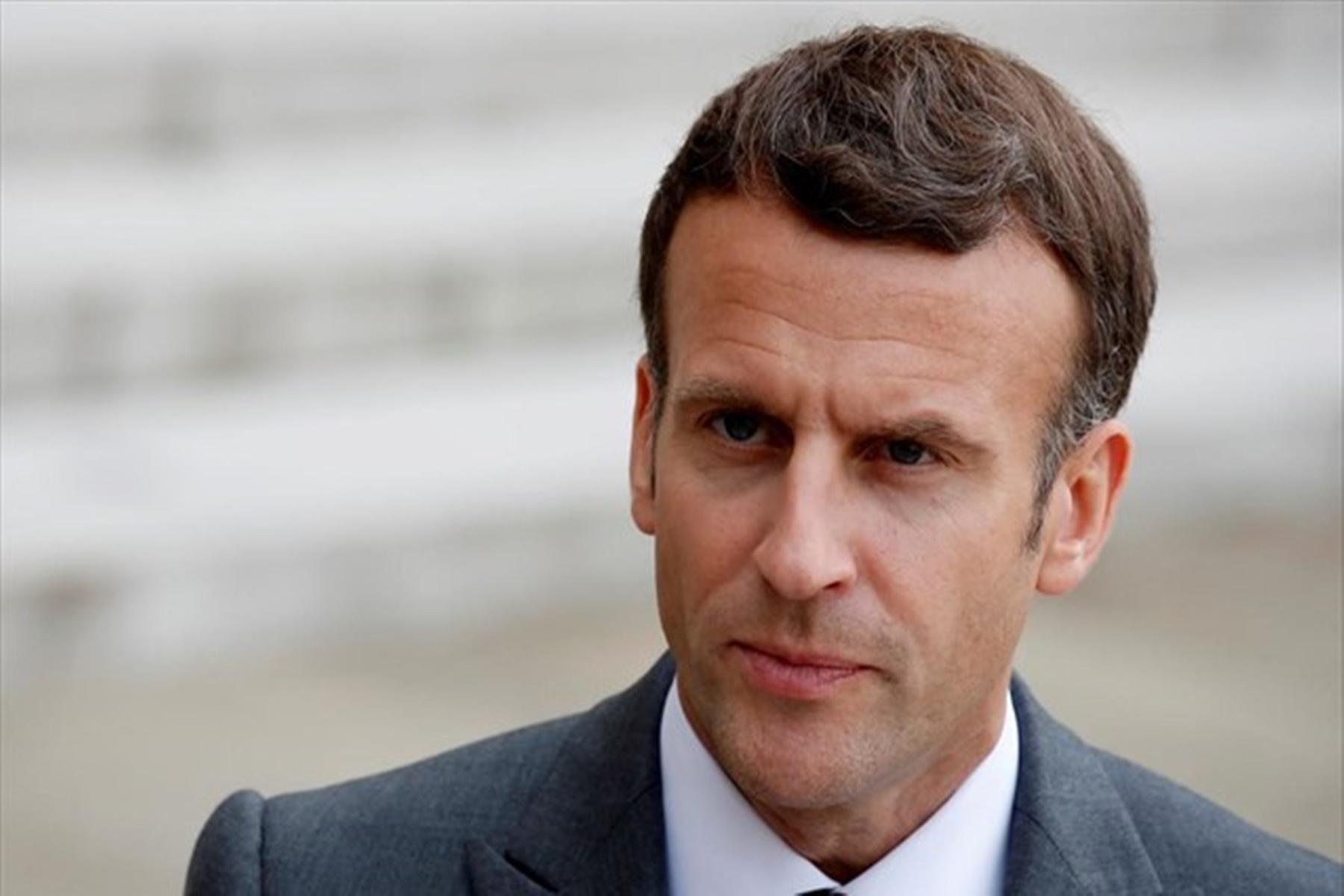 Γαλλία : O Μακρόν ζητά να σταματήσουν οι διαδηλώσεις κατά των εμβολίων