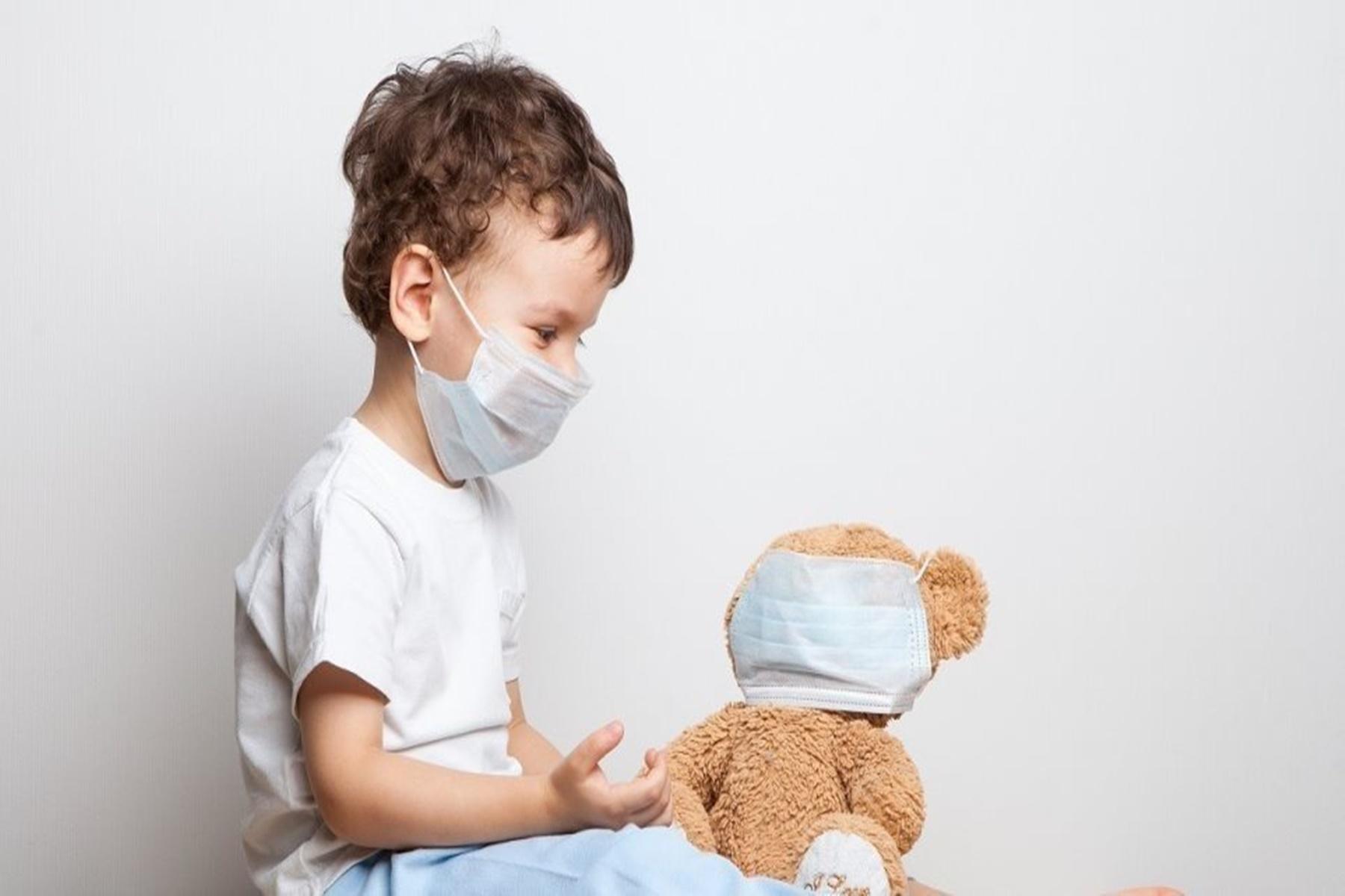 Κορωνοϊός : Τα συμπτώματα που προκαλεί σε παιδιά και εφήβους