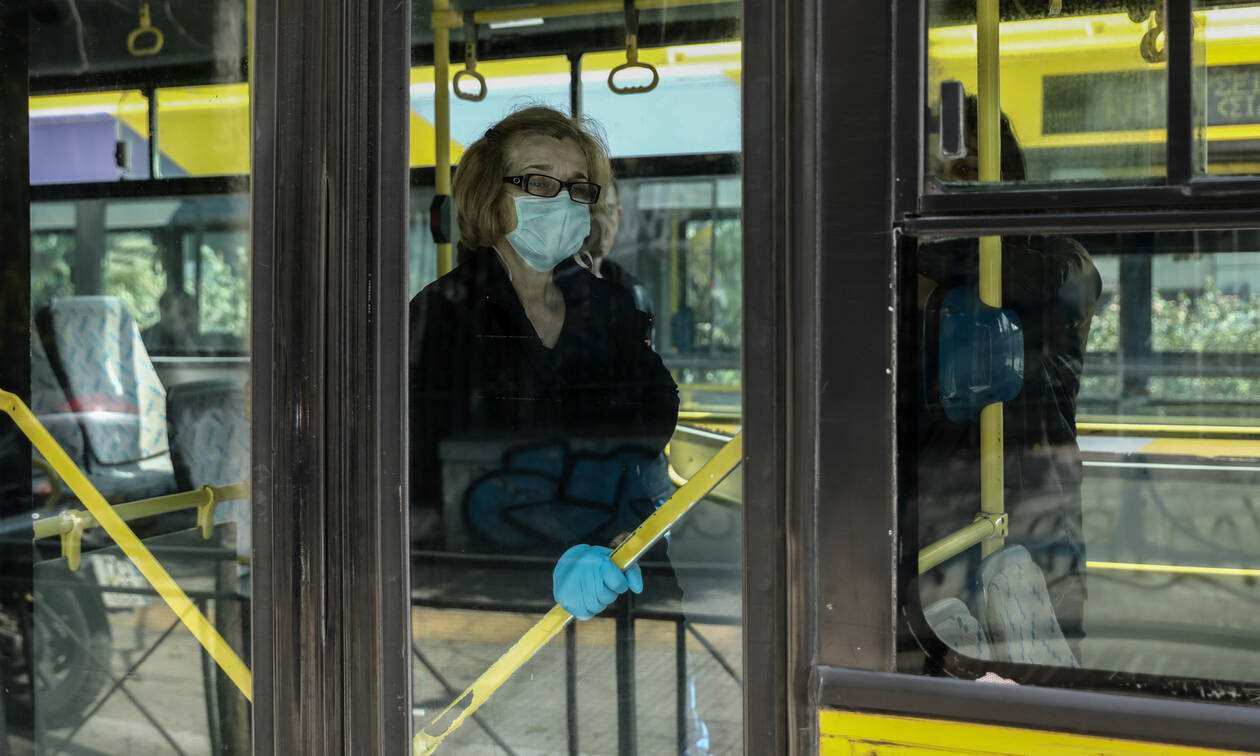 Μάσκα κίνητρα ΜΜΜ: Εκπτωτικό πακέτο για τους εμβολιασμένους επιβάτες στα Μέσα Μεταφοράς
