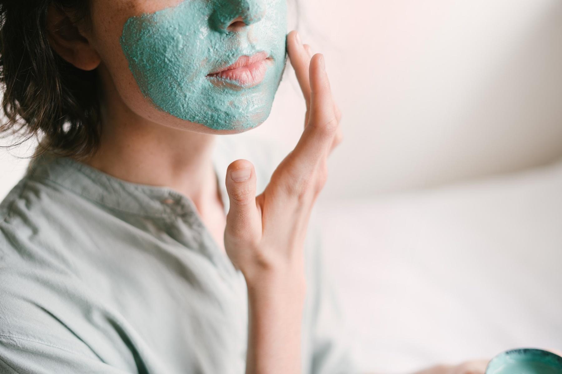Μάσκες νυκτός : Κάντε την επιδερμίδα σας να λάμψει