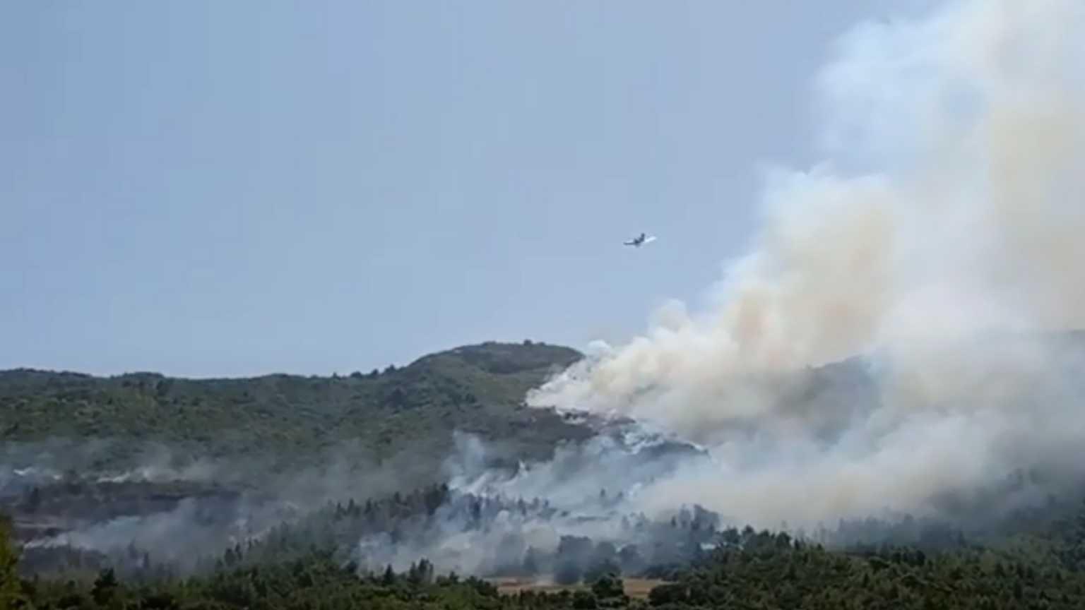 Φωτιά στην Πάτρα: Ο υπ. Υγείας έθεσε σε κατάσταση μέγιστης ετοιμότητας υγειονομικές δομές & ΕΚΑΒ στην Πάτρα