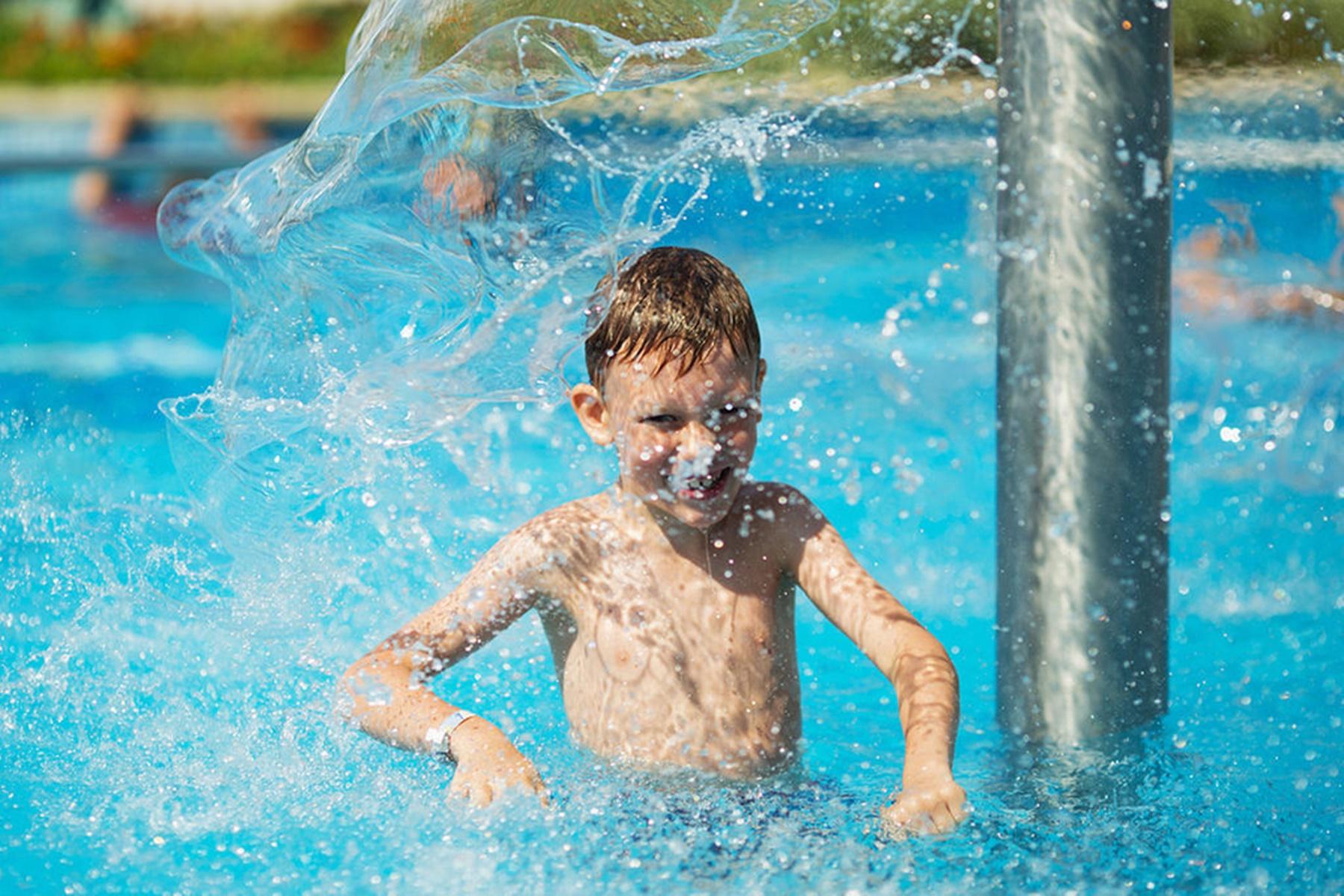 Παιδιά πισίνα : Δροσίστε τα στην ασφάλεια του σπιτιού