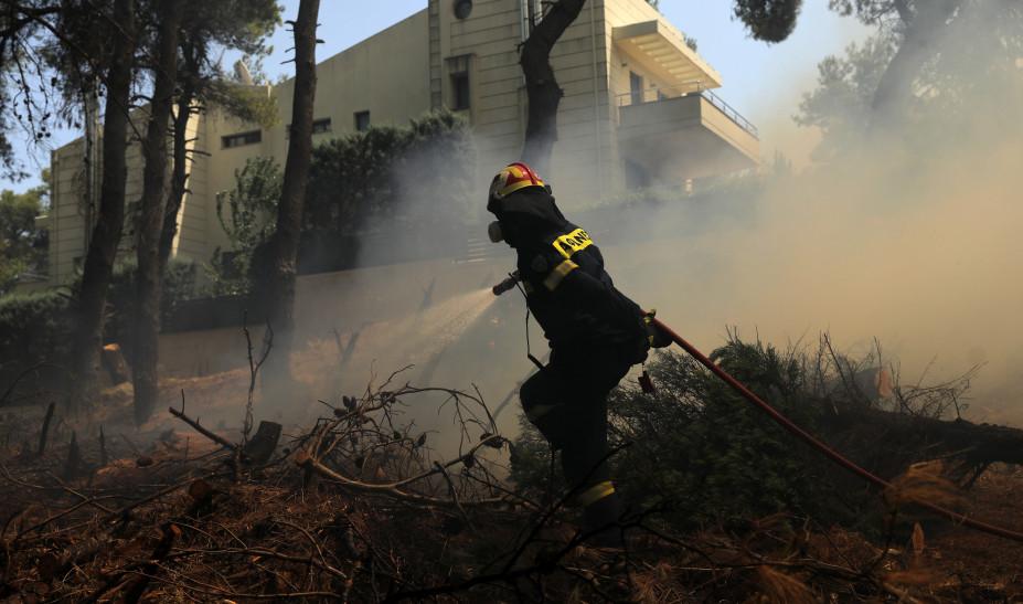 Μ. Χρυσοχοΐδης για φωτιά στη Σταμάτα: To ΠΣ έδωσε γενναία μάχη με τις φωτιές, έσωσε ζωές