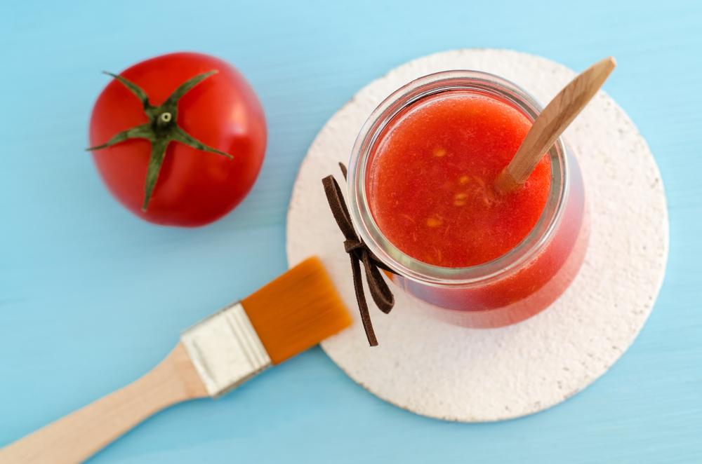 Ντομάτα Δέρμα: Μάσκα ντομάτας για το δέρμα – Ασυνήθιστη επιλογή με υποσχόμενα οφέλη [vid]